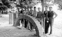(1031) - Le nostre cooperative - Coop. Muratori di Castelnovo di Sotto - La scuola edile in Rocca